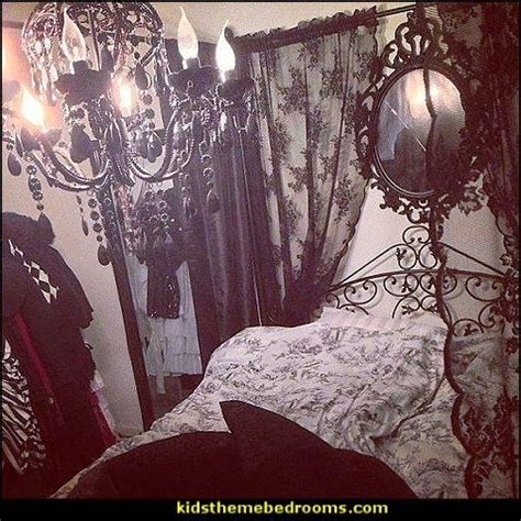 gothic inspired bedroom 25 best ideas about gothic bedroom decor on pinterest