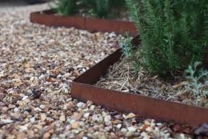 garden landscaping ideas for borders and edges