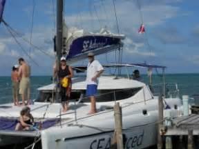 seaduced catamaran belize catamaran snorkeling at ambergris caye