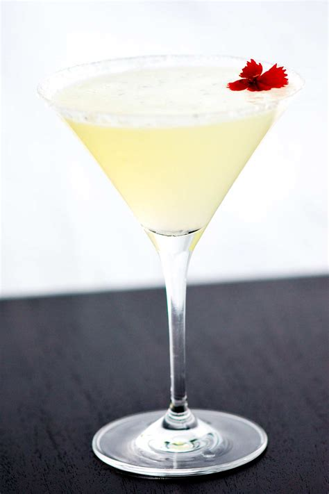lemon drop martinis easy lemon drop martini recipe with
