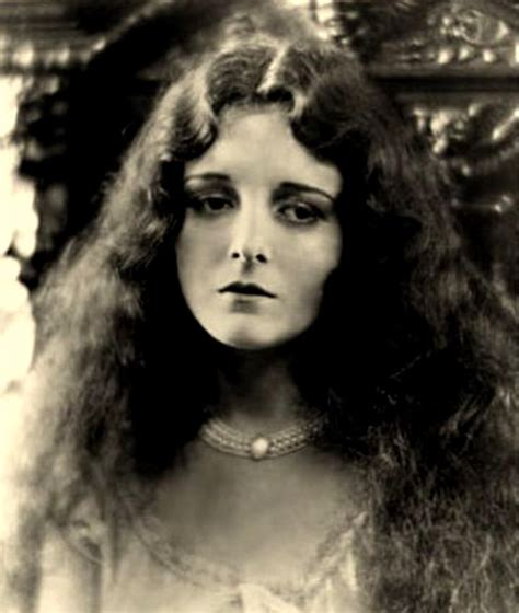 hollywood young actress film mary astor in the 1920s a young and beautiful actress