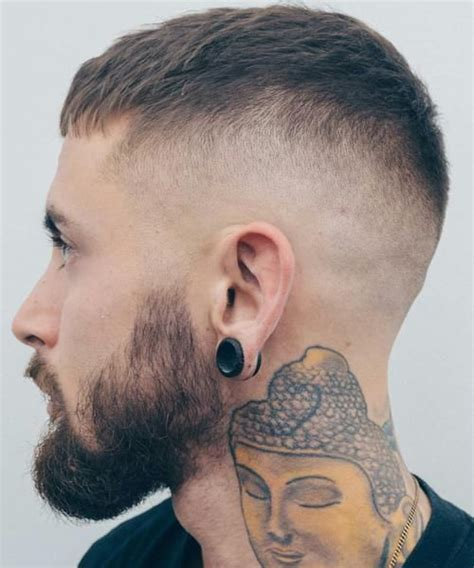 small head hairstyles for men hair styles for men with small head the 25 best ideas