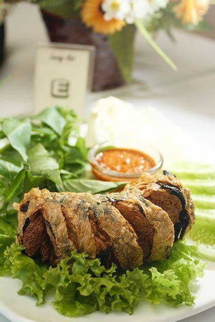loving hut resto vegetarian  misi menyelamatkan