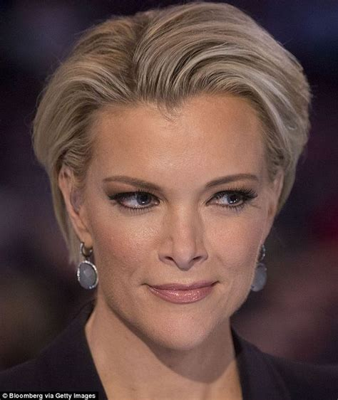 does megan kelly dye her hair megyn kelly roasted on twitter over her ridiculous