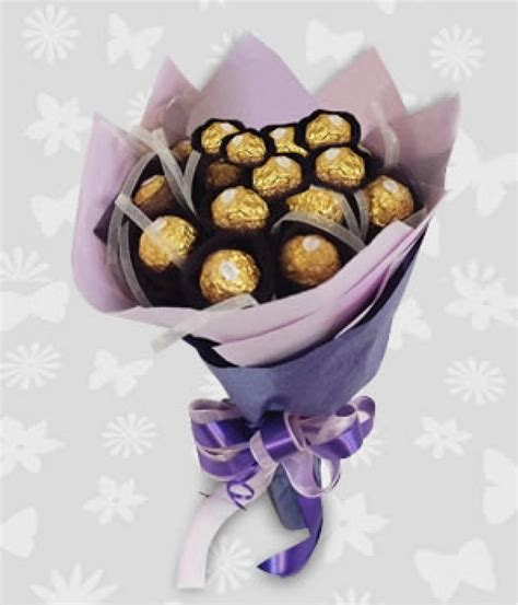 Bouquet Buket Fresh Roses Coklat Ferrero Rocher edible and s gifts badudets everything