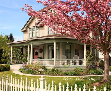 Bellas Cottage by Home And Garden Thursday A Delightsome