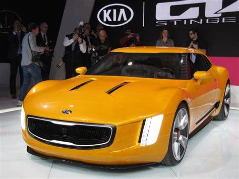 kia gt stinger concept debuts   detroit auto show