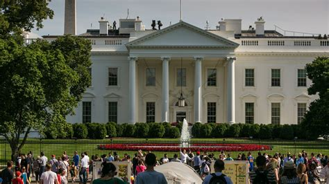 white house jobs report white house staffers can t find a new job axios