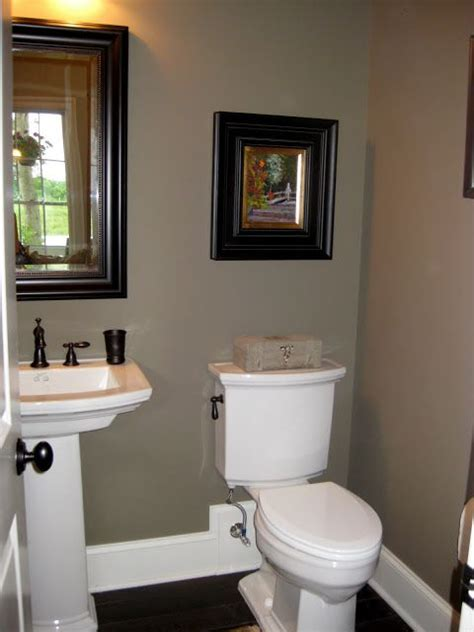 what color to paint a small bathroom to make it look bigger 17 best ideas about small bathroom paint on pinterest