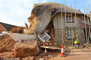 houses to renovate in devon 400 year old thatched cottage in devon collapses during renovation work daily mail