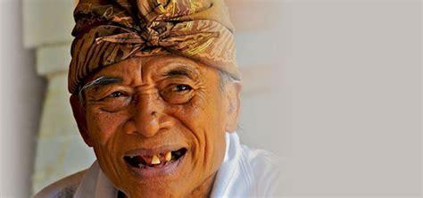ketut liyer balinese medicine man featured  eat pray