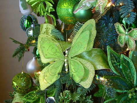 green tree decorations decorating an themed tree amazing