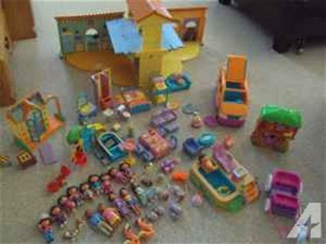 talking dolls house dora the explorer talking doll house complete with treehouse pool forks twp