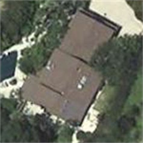 Bill Maher House by Bill Maher S House In Beverly Ca Globetrotting