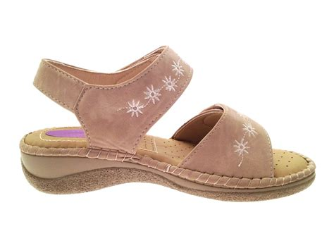 comfort shoes wide womens summer sandals cushioned wide adjustable straps