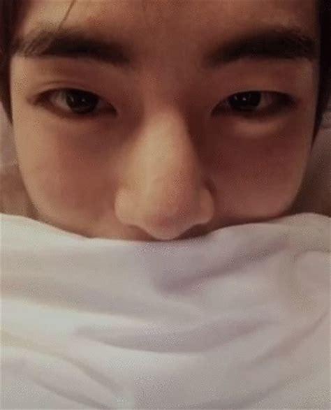 kim taehyung eyelashes bts gif v bangtan kim taehyung animated gif 3942482