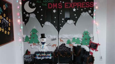 med lab christmas door door decorating contest in melbourne keiser