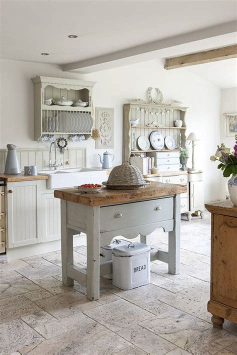 country cottage kitchen ideas 25 best ideas about small country kitchens on