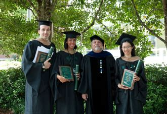 Tulane 5 Year Mba by Denisi S Commencement A Stark Contrast To