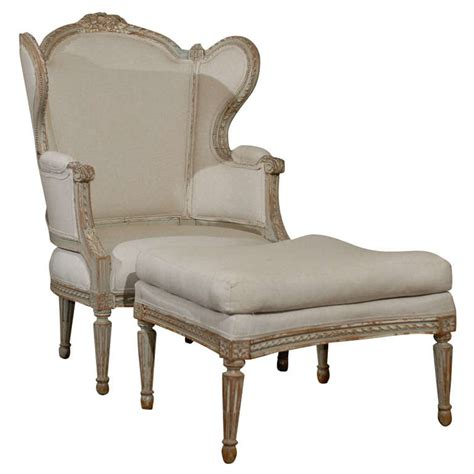 Winged Bergere With Ottoman At 1stdibs Bergere Ottoman