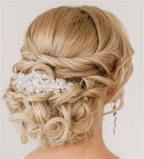 Wedding Hairstyles Done At Home by 15 Best Wedding Hairstyles Weddingwoow Weddingwoow