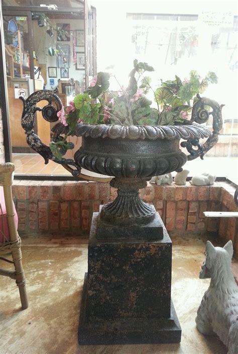 Garden Ridge Urn Planters Antique Cast Iron Garden Urn Planter Lg Fancy