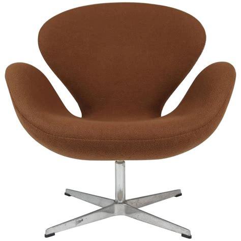 Swan Swivel Arm Chair By Arne Jacobsen For Fritz Hansen Swan Swivel Chair