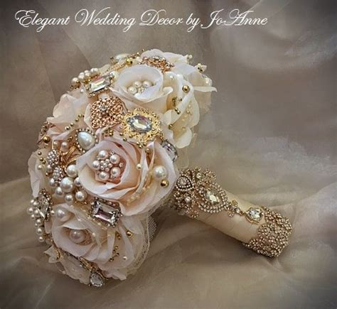 Wedding Bouquet Gold by 25 Best Ideas About Gold Bouquet On Gold
