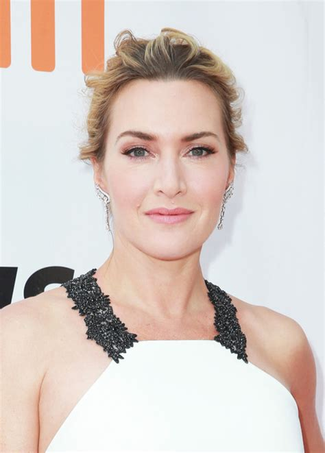 film 2017 kate winslet kate winslet gets it done in badgley mischka at the