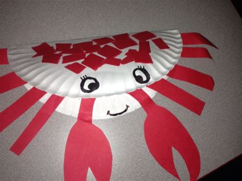Paper Plate Crab Craft - folded paper plate crab