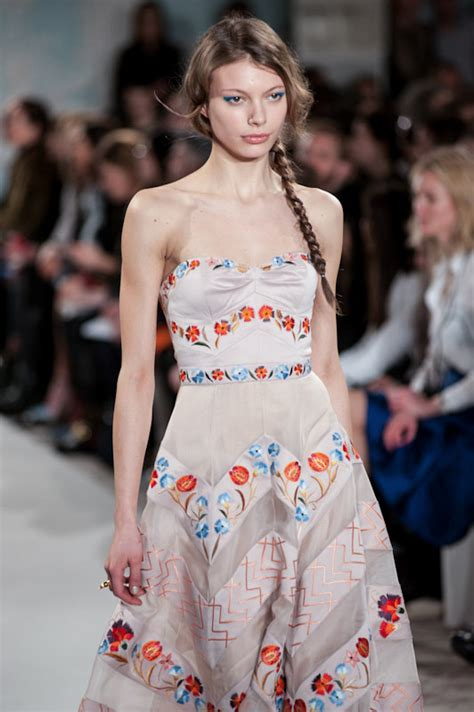 Catwalk To Carpet Gellar In Temperley by Temperley Catwalk Show Report Lfw A W 2014 The Upcoming