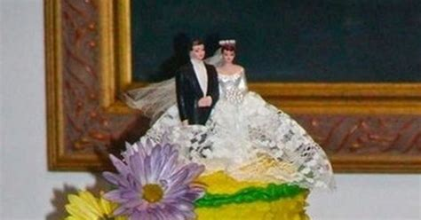 Wedding Upstaged by Newlyweds Photos Of The Wedding Cakes That Upstaged