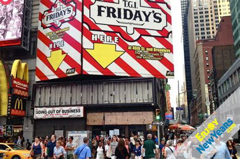 tgi fridays new years day tgi friday s new year s tgi friday s times square