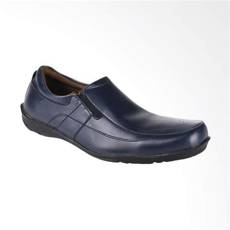 Yongki Komaladi Sepatu Formal jual yongki komaladi sepatu pria biru hbs 521203 harga kualitas terjamin blibli