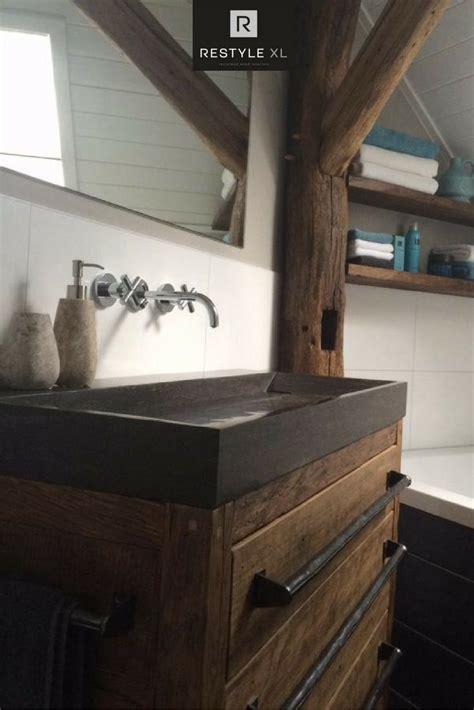 houten badmeubel met waskom houten badmeubel met waskom