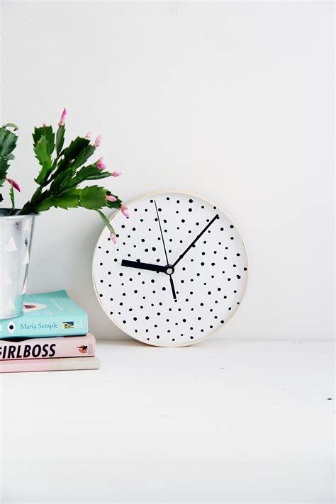 diy dotted wall clock design sponge bloglovin