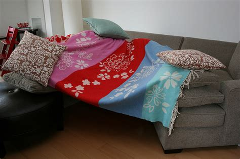 couch cushion fort couch cushion fort flickr photo sharing