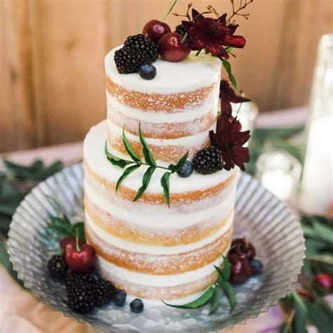 Serve Wedding Cake And by 5 Unique Cake Flavors To Serve At Your Winter Wedding