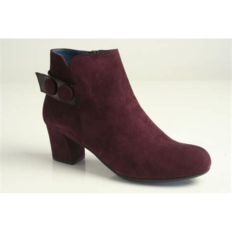 perlato perlato burgundy suede leather ankle boot with a