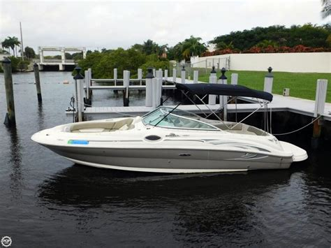 24 sea ray deck boat bing images - Sea Ray Deck Boat