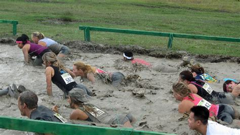Messy Wires Pink Ladies In A Mud Run On The Other Side Of Flagler S