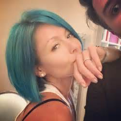 ripa hair changes kelly ripa now has smurf blue hair