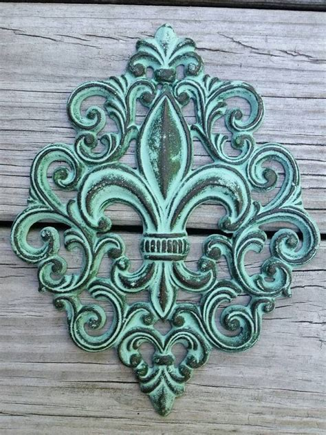 cast iron tattoo 25 best ideas about fleur de lis on fleur de