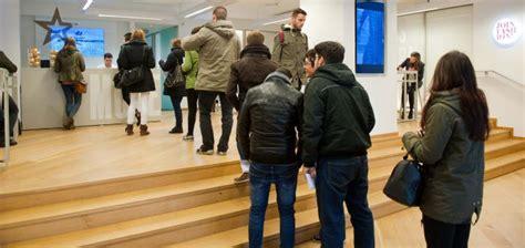 oficina inditex madrid mejor trabajar de dependiente que de camarero empresas