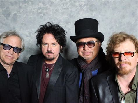 what of was toto toto laut de band