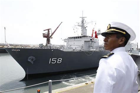 zarpa primer barco con 250 toneladas m 233 tricas de ayuda - Un Barco Que Zarpa Del Callao