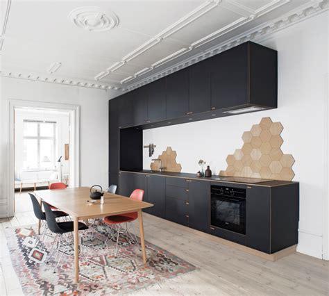 One Sided Galley Kitchen - dekorer k 248 kkenet med smukke sekskantede fliser