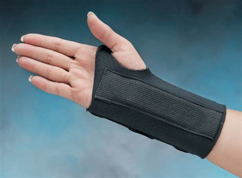 comfort cool brace comfort cool 174 firm d ring wrist splints north coast medical