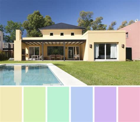 plantas patio interior oscuro colores recomendados para exteriores de casas