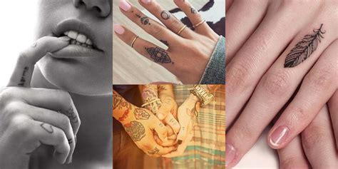 Tatuaggio Sulle Dita Una Guida E 55 Foto Da Cui Prendere